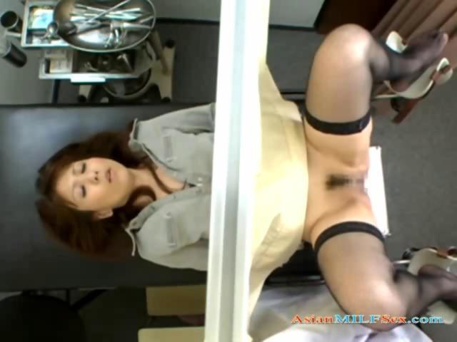 Voyeur unaware asian milf