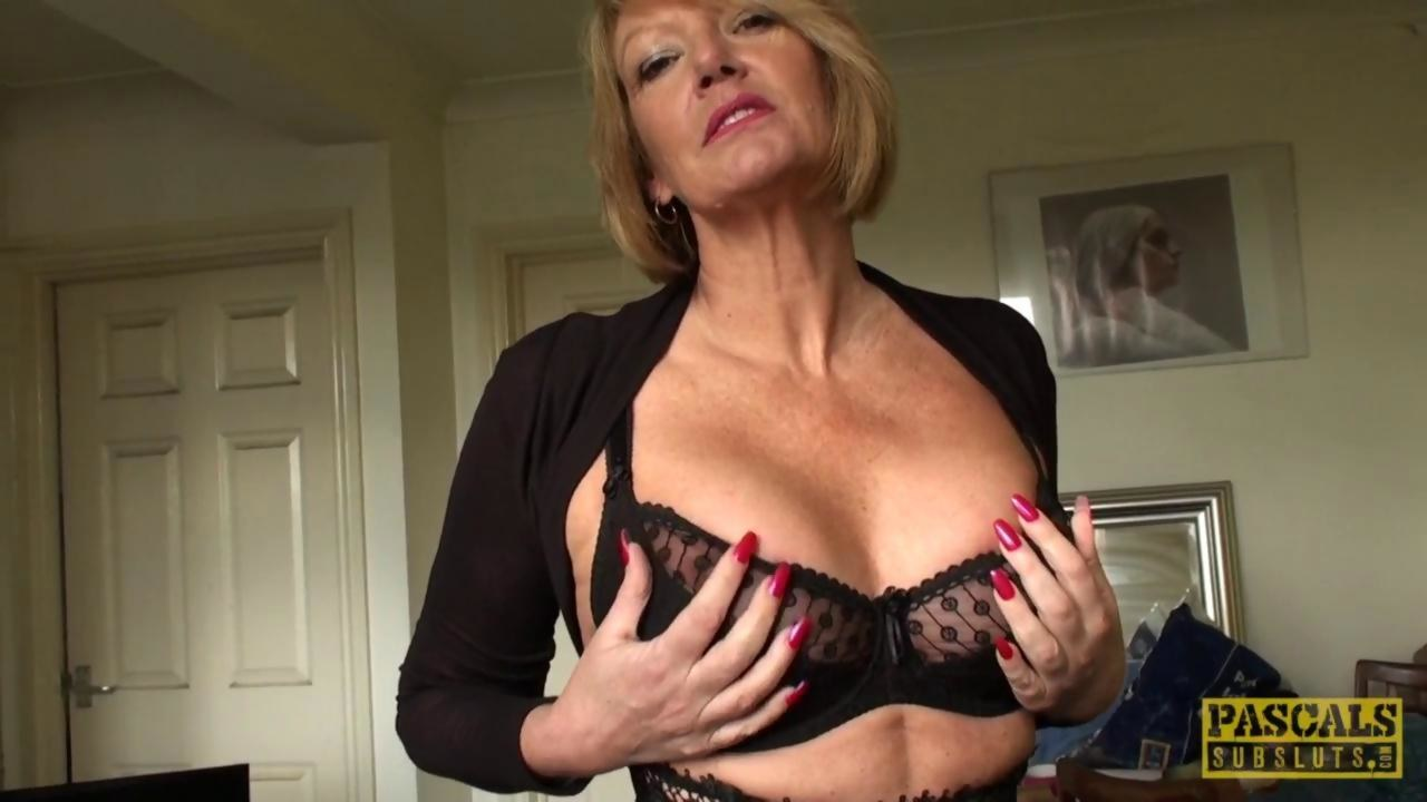 Amateur older female striptease