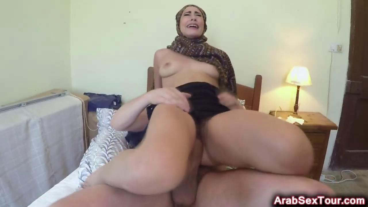 arab slut reverse cowgirl amateur fucks riding on gotporn (6236305)