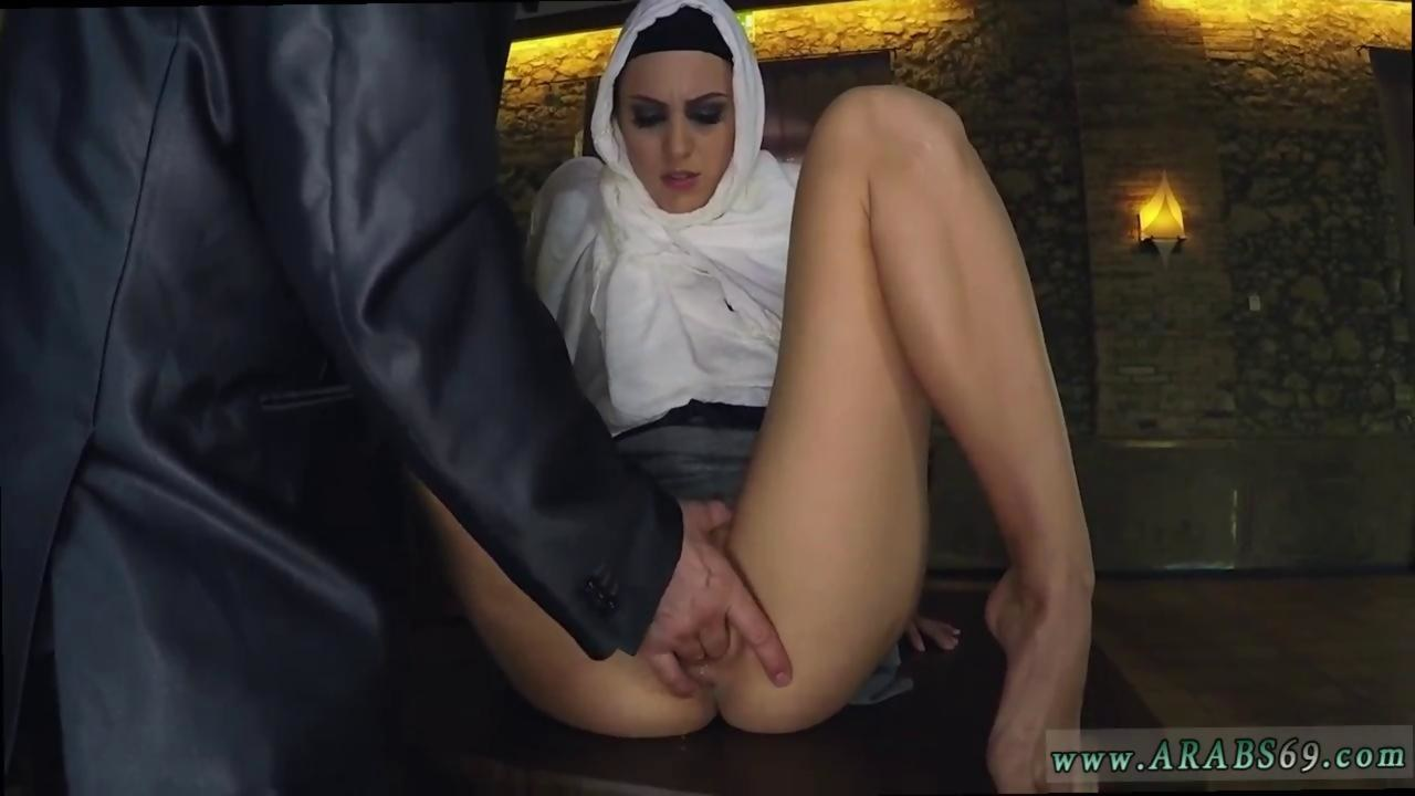 arab coach and actress scandal hungry woman gets food and fuck on