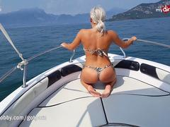 Hot fuck on wild speed boat ride on the open sea!