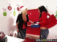 Brazzers - Mommy Got Boobs - Diana Prince Puma Swede Will Powers - Jiggle All the Way