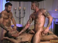 muscle bear flip flop and anal cumshot feature