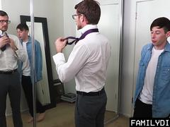 FamilyDick - Bearded Daddy Barebacks Cute Guy