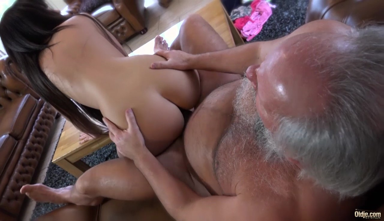 hot girl fucking fat men