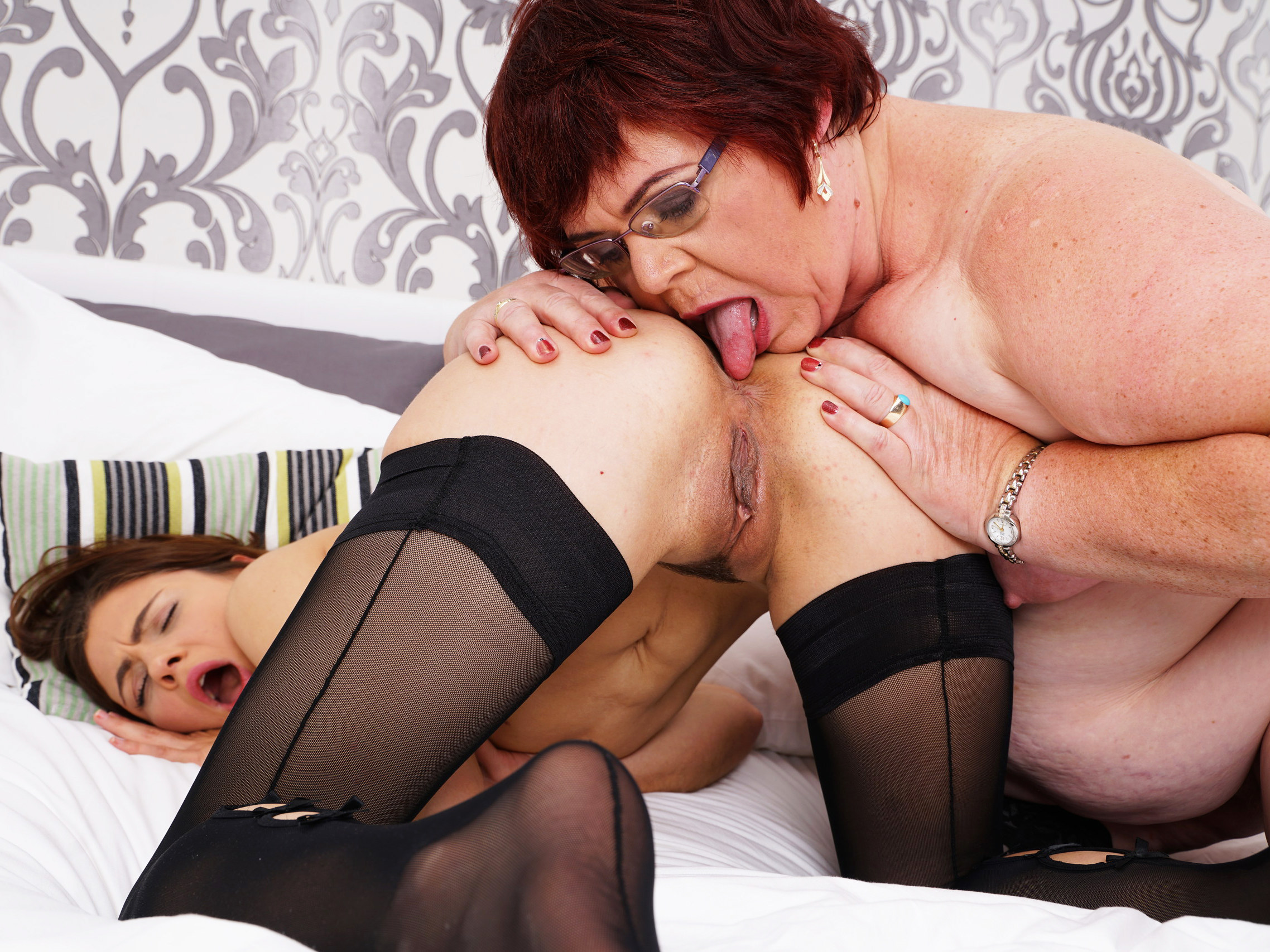 picture gallery Lesbians