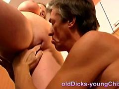 Pussy eating old pervert munches her cunt