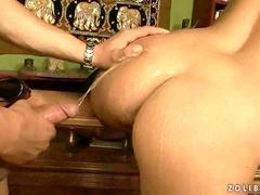 Guy fucking and pissing on sexy girl