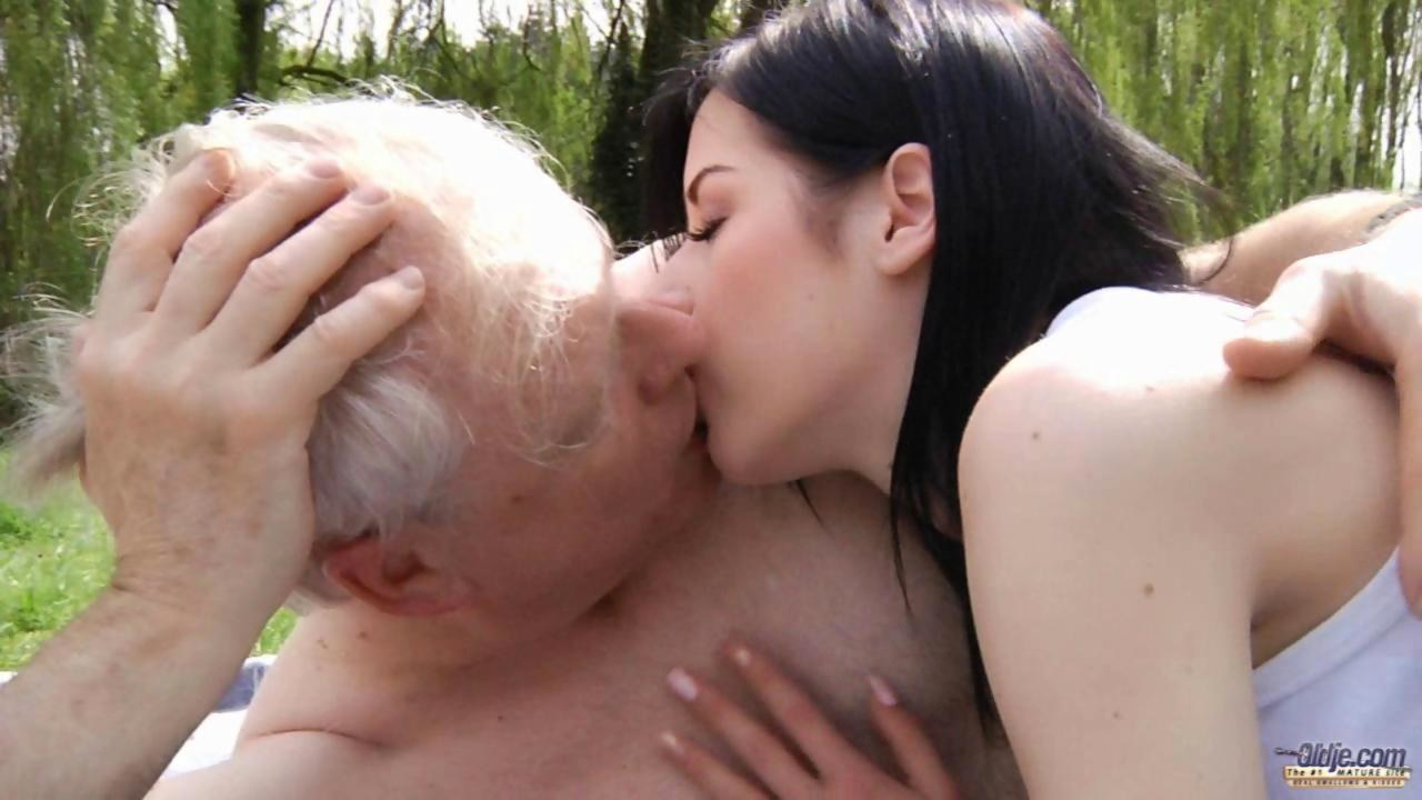 Teen Girls Older Men Porn