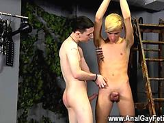 sucking on the duds cock who is tied up