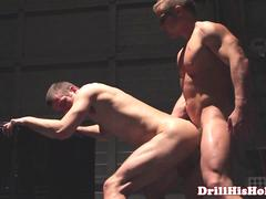 Liam Magnuson pounds bottom bitch