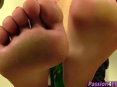 Euro babe removes shoes