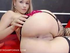 amateur blonde slut has a hot wet cunt to show off