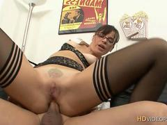 Milf Ludie anal loaded