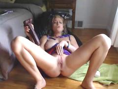 Hot Camgirl Squirts On Her Feet