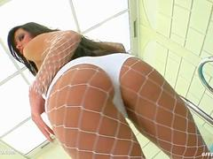 Tina Hunter being solo masturbating on Give Me Pink with passion