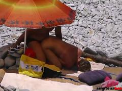 Beach spy cam exposing amateur couple doggystyle fuck