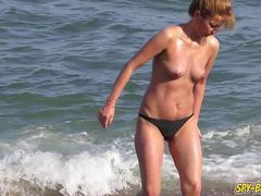 Hot Topless Amateur MILFs Voyeur Close-up Beach Videos