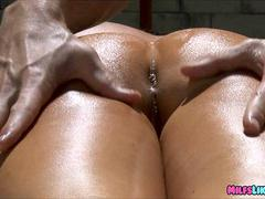 milf gets dick lessons in the pool