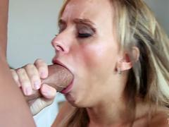 Blonde babe is ready to suck a mean schlong so well