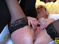 Throatfucked english bird fingering herself