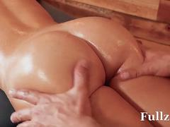Busty milf Victoria June cheats on her husband with big cock - Fullzz