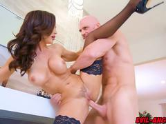 Johnny Sins plows milf Lisa Anns sweet pussy