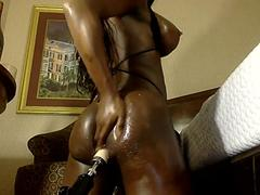 Super hot brownie chocolate ts girl with a fucking machine