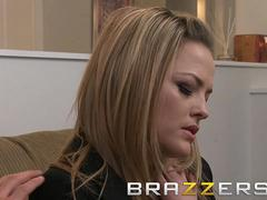 Alexis Texas loves massages and ridding cock - Brazzers