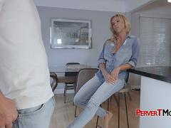 Milf seduces her stepsons best friend into banging in doggystyle