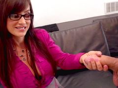 Lisa Ann got her snatch stuffed with big cock before getting a facial
