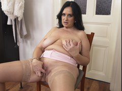 British BBW masturbating on the chair